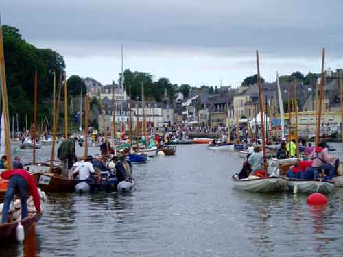 Fleet arriving at Auray