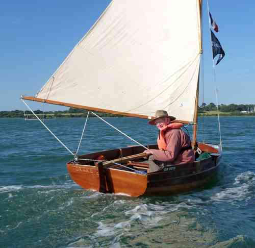 DCA member Rolf R leaves Vannes to sail to Le Logono